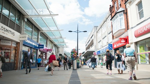 Shoppers increasing in Swindon town centre